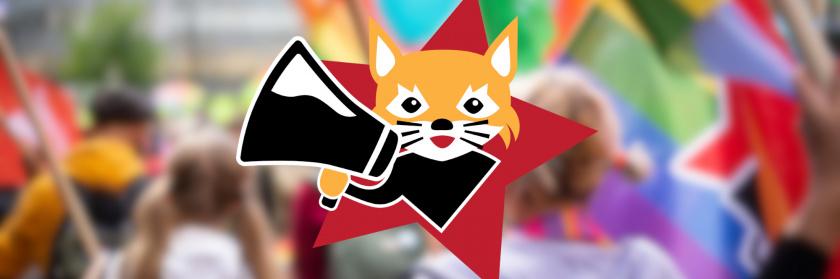 Taustalla Pride-kulkueen marssijoita, etualalla Hämeen Vasemmistonuorten logo
